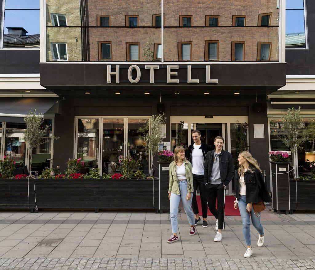 Fasaden på Hotell Savoy är nu åtgärdad